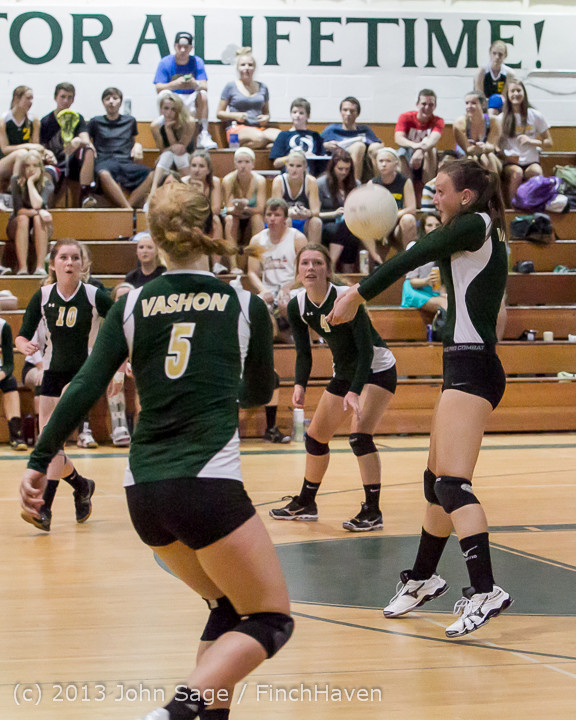 19526 Volleyball v Eatonville 091113