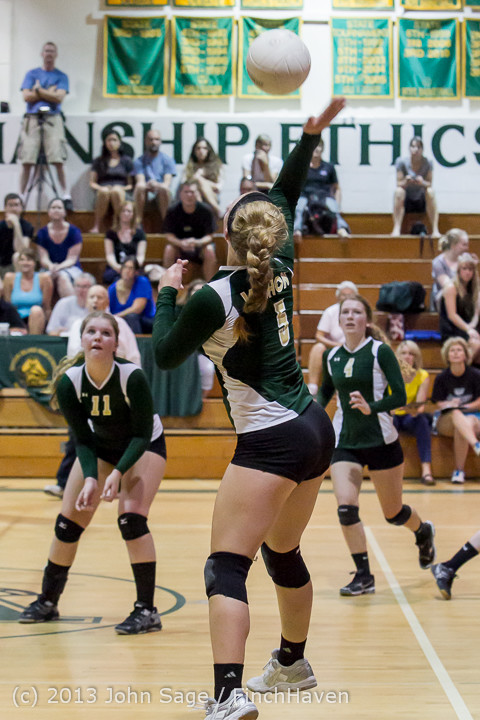 19535 Volleyball v Eatonville 091113
