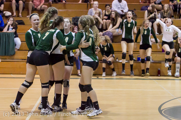 19573 Volleyball v Eatonville 091113