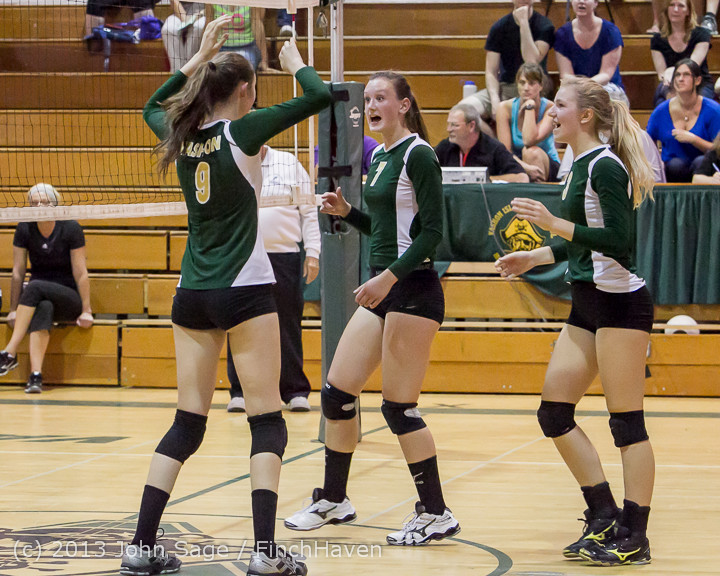 19707 Volleyball v Eatonville 091113