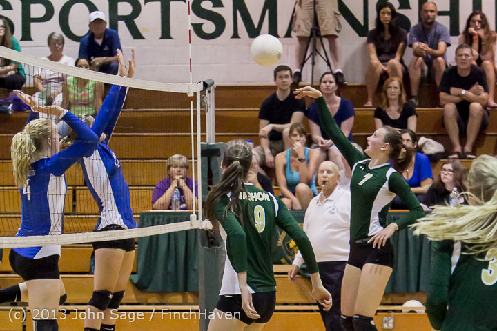 19757 Volleyball v Eatonville 091113