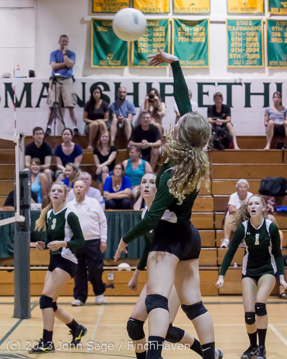19905 Volleyball v Eatonville 091113
