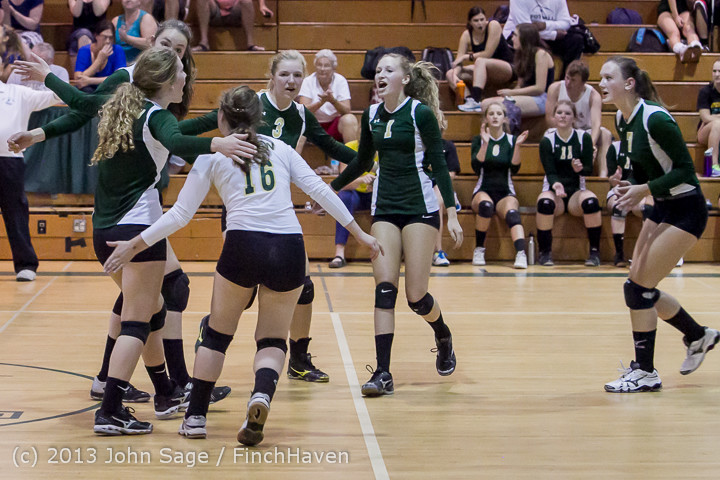 19910 Volleyball v Eatonville 091113