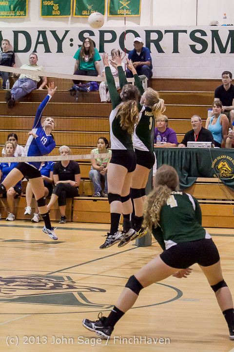 19941 Volleyball v Eatonville 091113