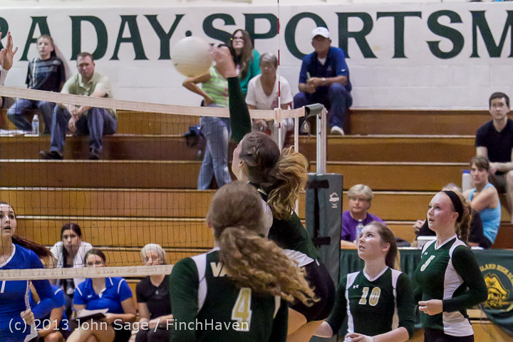 20197 Volleyball v Eatonville 091113