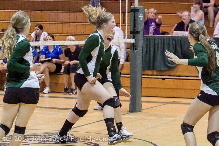 20204 Volleyball v Eatonville 091113