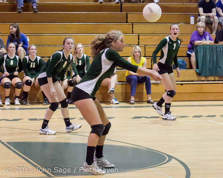 20355_Volleyball_v_Eatonville_091113