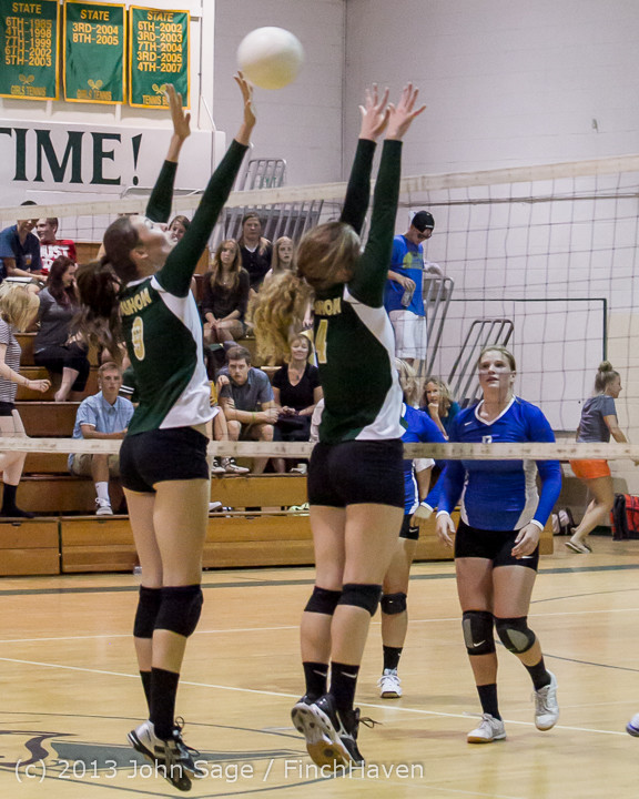 20373 Volleyball v Eatonville 091113