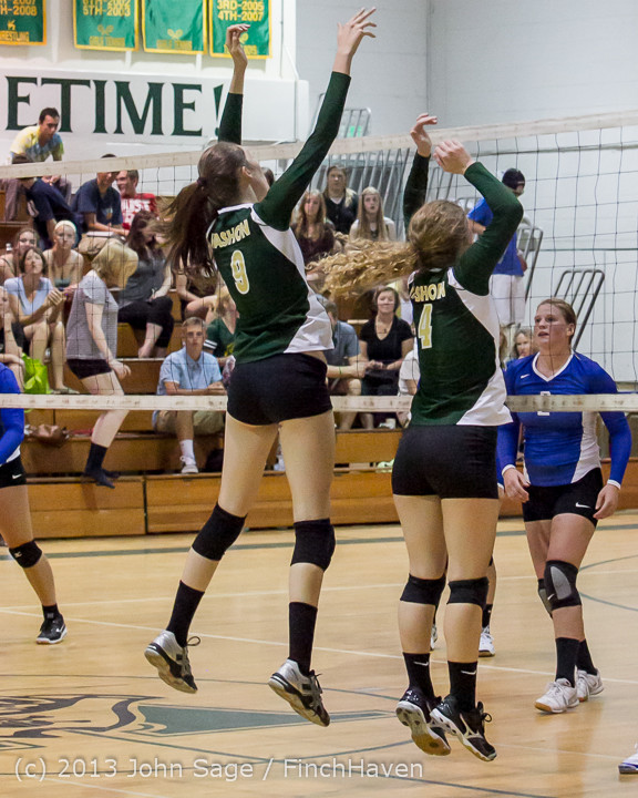 20374 Volleyball v Eatonville 091113