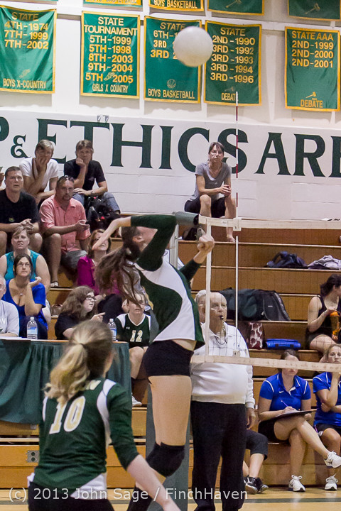 20380_Volleyball_v_Eatonville_091113