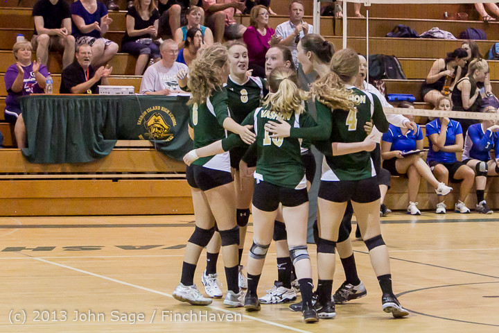 20385 Volleyball v Eatonville 091113