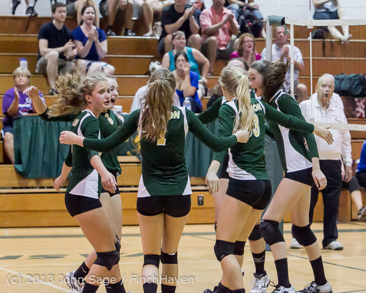20488 Volleyball v Eatonville 091113
