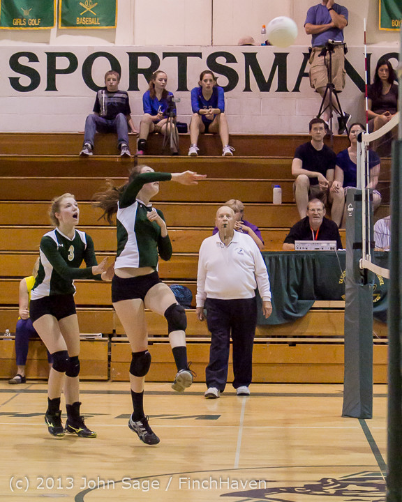 20541 Volleyball v Eatonville 091113