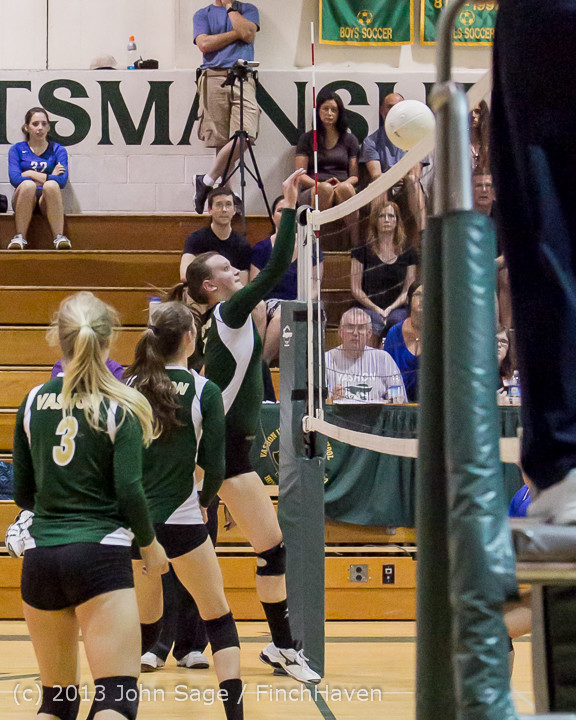20571 Volleyball v Eatonville 091113