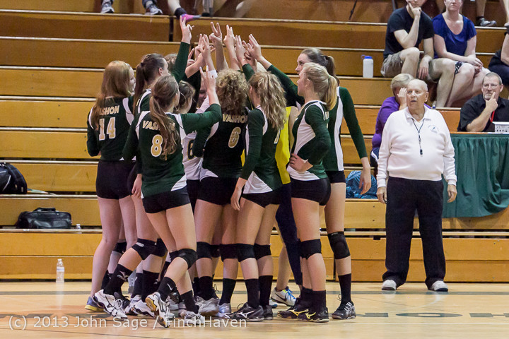 20584 Volleyball v Eatonville 091113