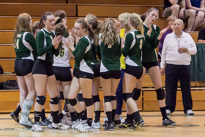 20589 Volleyball v Eatonville 091113