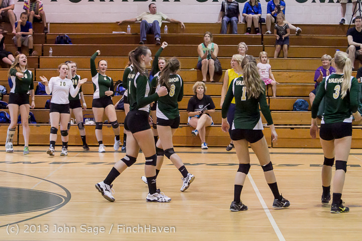 20642 Volleyball v Eatonville 091113
