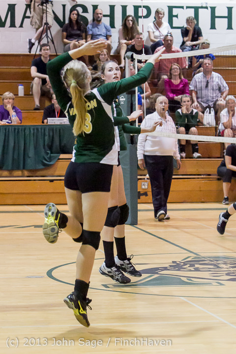20663 Volleyball v Eatonville 091113