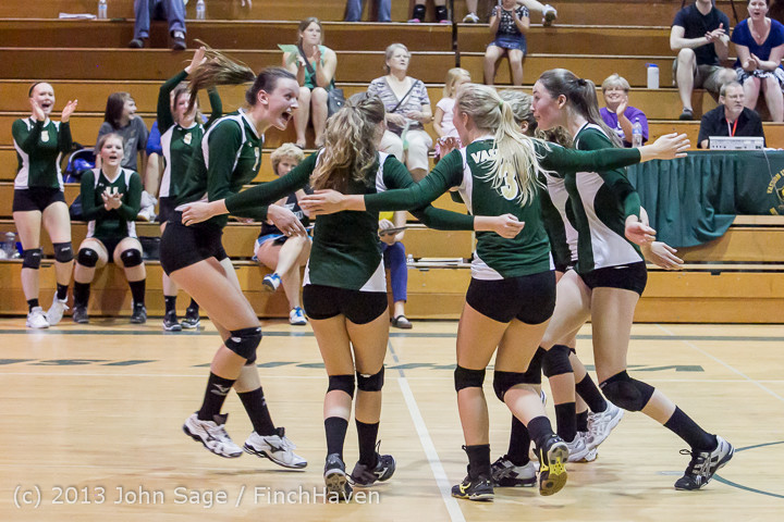 20672 Volleyball v Eatonville 091113