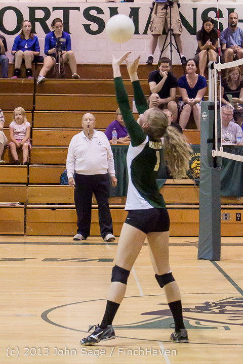 20805 Volleyball v Eatonville 091113