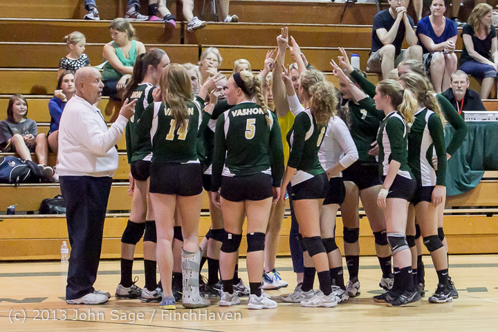 20921 Volleyball v Eatonville 091113