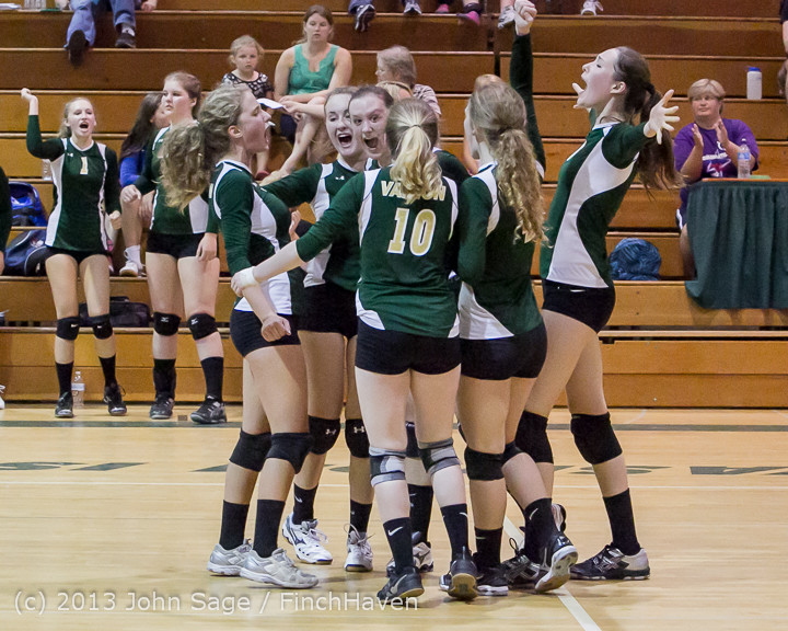 20985 Volleyball v Eatonville 091113