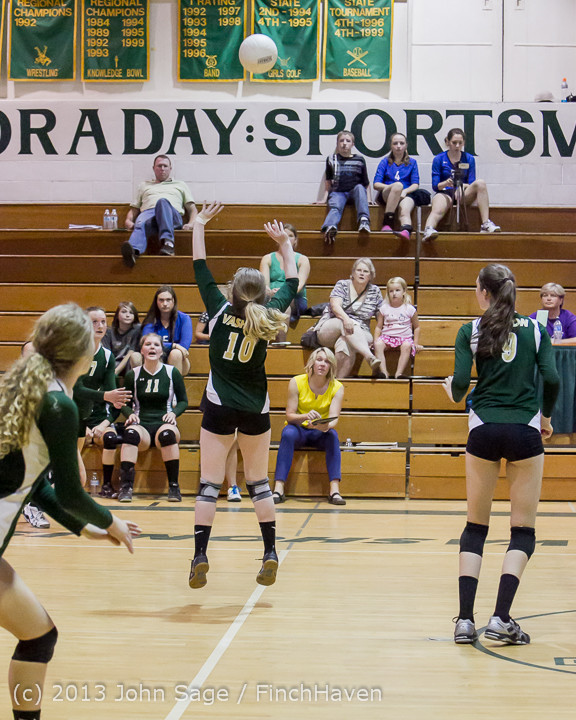 21067 Volleyball v Eatonville 091113