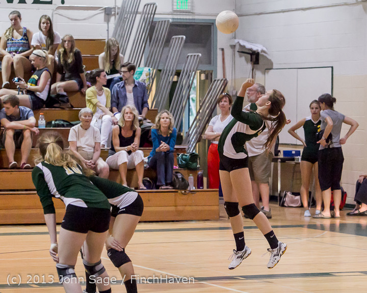 21135 Volleyball v Eatonville 091113