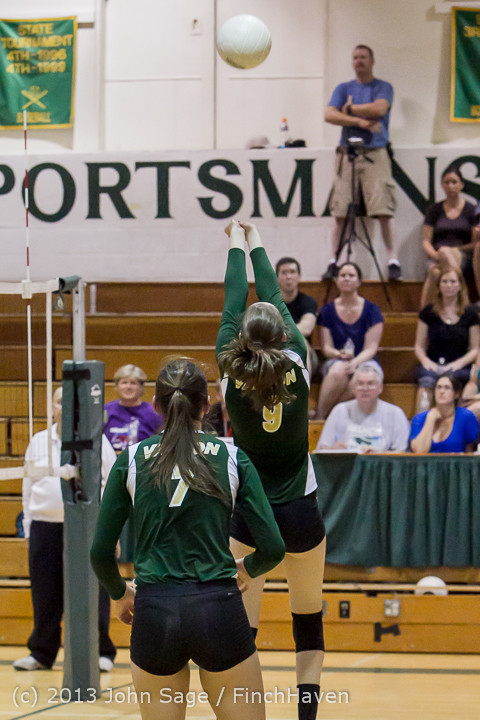 21238 Volleyball v Eatonville 091113