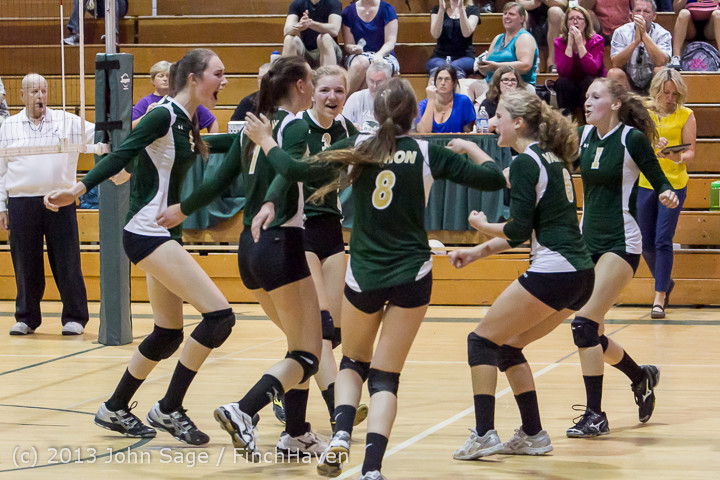 21305 Volleyball v Eatonville 091113