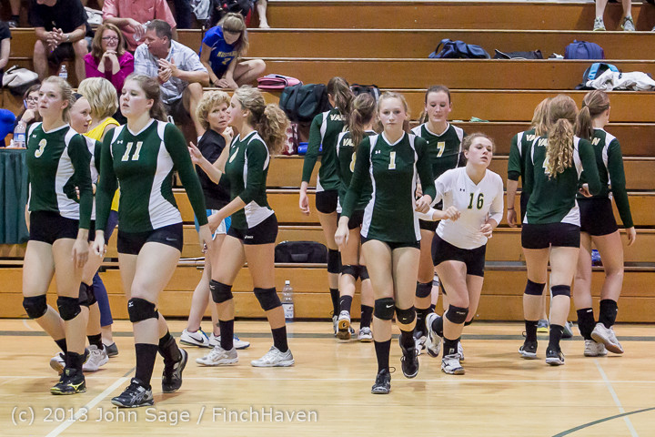 21443 Volleyball v Eatonville 091113