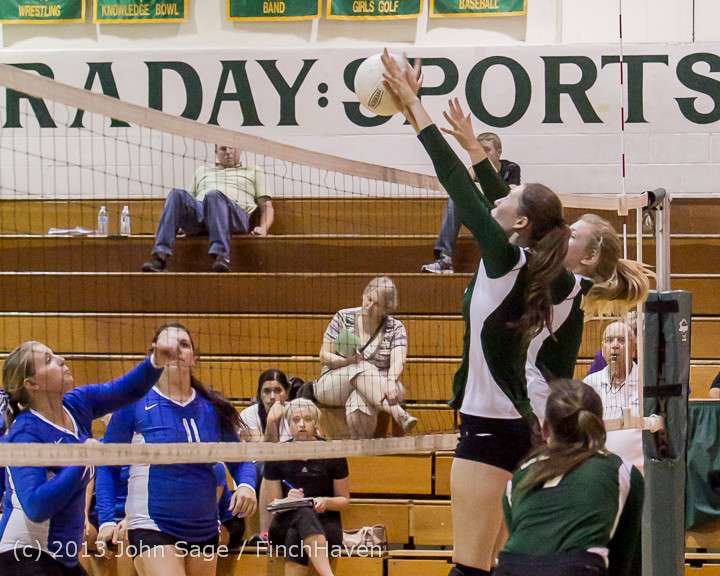 21563 Volleyball v Eatonville 091113