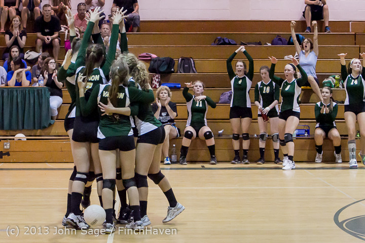21573 Volleyball v Eatonville 091113