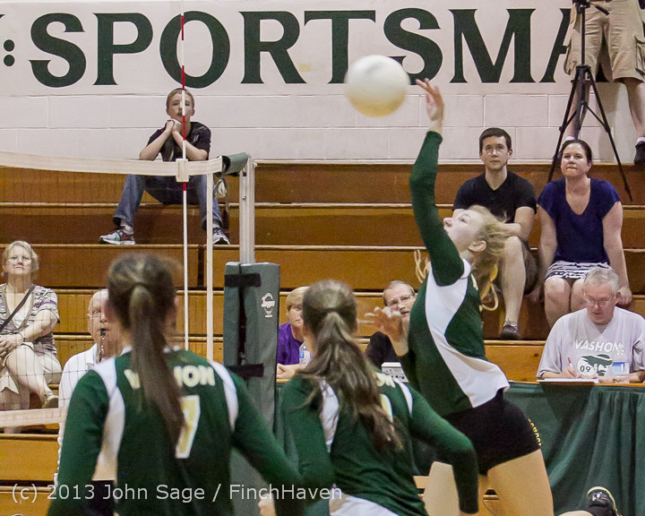 21610 Volleyball v Eatonville 091113