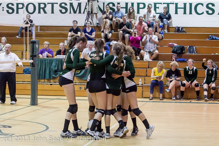 21645 Volleyball v Eatonville 091113