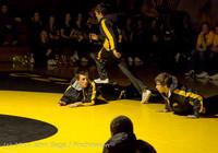 1738 Wrestling v Belle-Chr 011515