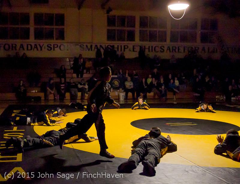 1814 Wrestling v Belle-Chr 011515