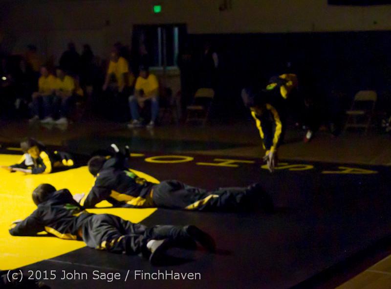 1827 Wrestling v Belle-Chr 011515
