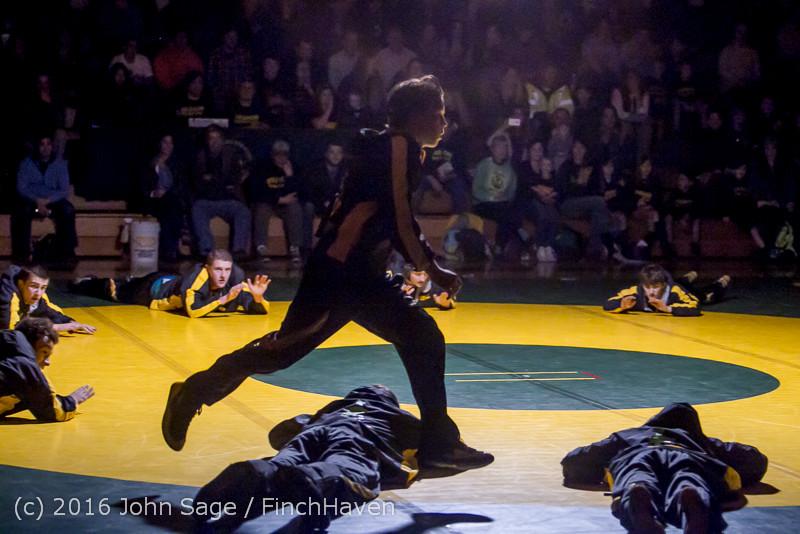 2075 Varsity Wrestling v Montesano 121015