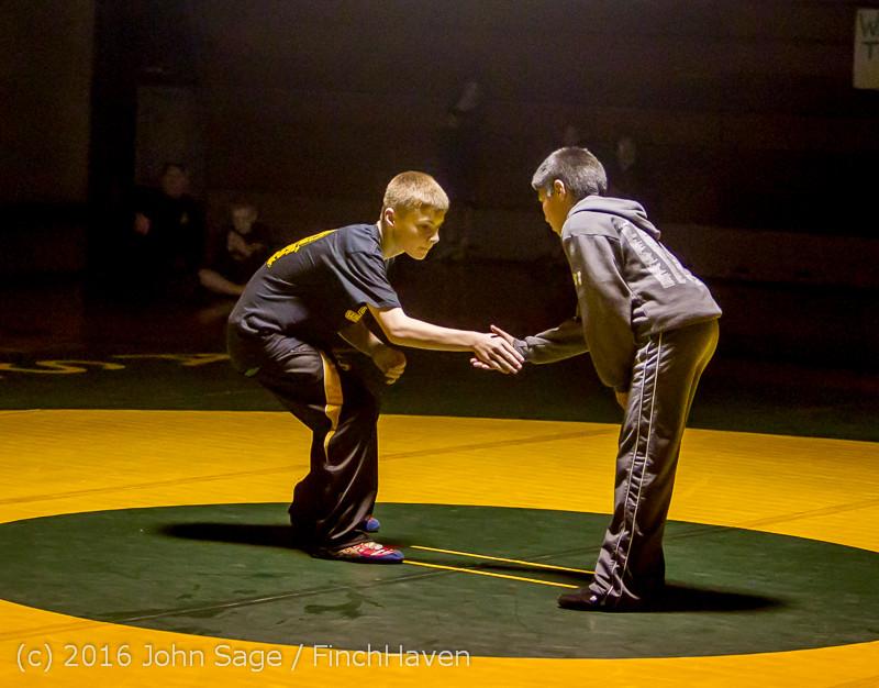 2139 Varsity Wrestling v Montesano 121015