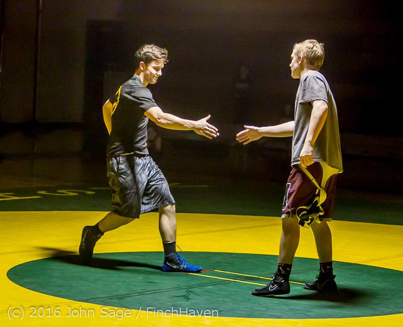 2205 Varsity Wrestling v Montesano 121015