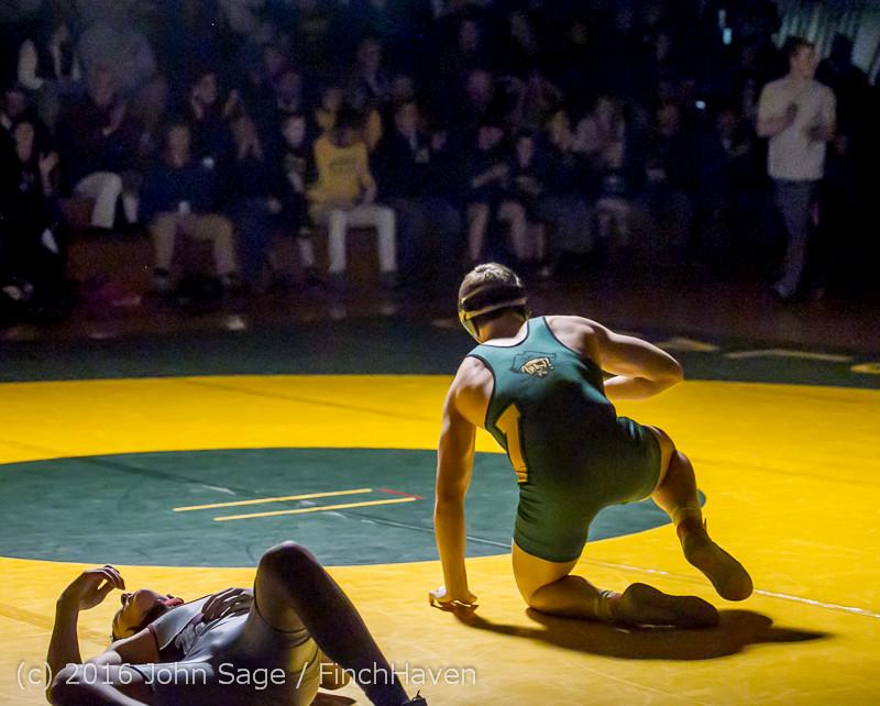 4946 Varsity Wrestling v Montesano 121015