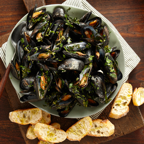 Beer-Steamed Mussels - FineCooking