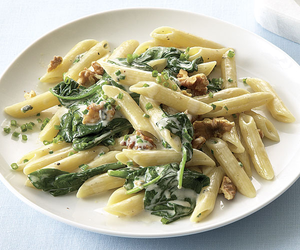 Penne with Spinach, Gorgonzola, and Walnuts - FineCooking