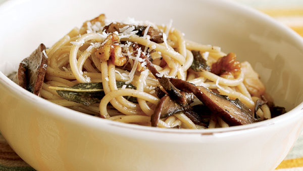 Penne with Spinach, Gorgonzola, and Walnuts - Recipe ...