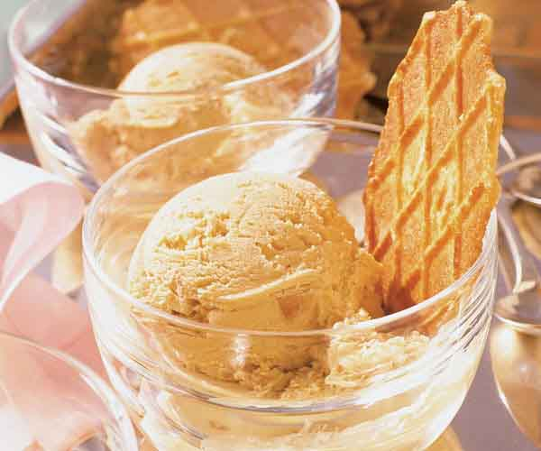 The key to smooth rich homemade ice cream finecooking photos mary ellen bartley dana harris ccuart Image collections