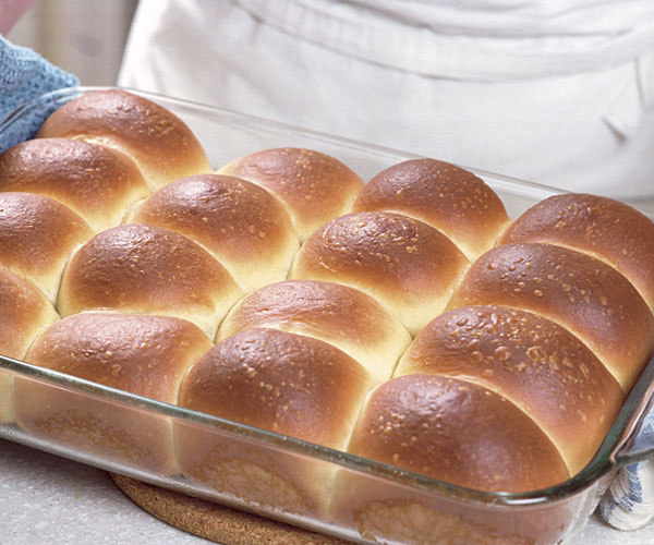 Classic dinner rolls recipe finecooking ingredients forumfinder Choice Image