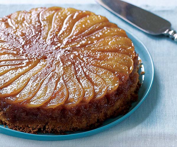 Caramelized pear upside down cake recipe finecooking for Apple pear recipes easy