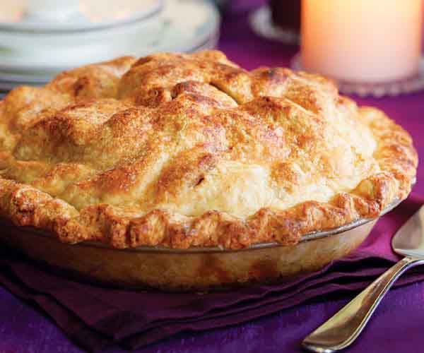 Apple pie recipes are an American favorite! This old fashioned homemade apple pie recipe produces a flaky pastry crust and juicy apple filling.
