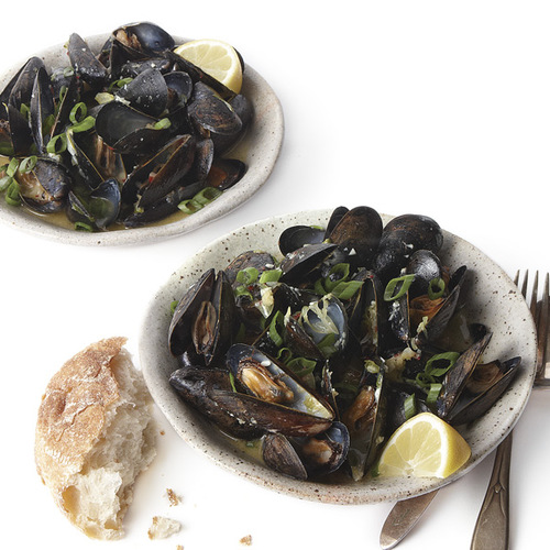 Sake-Steamed Mussels - FineCooking